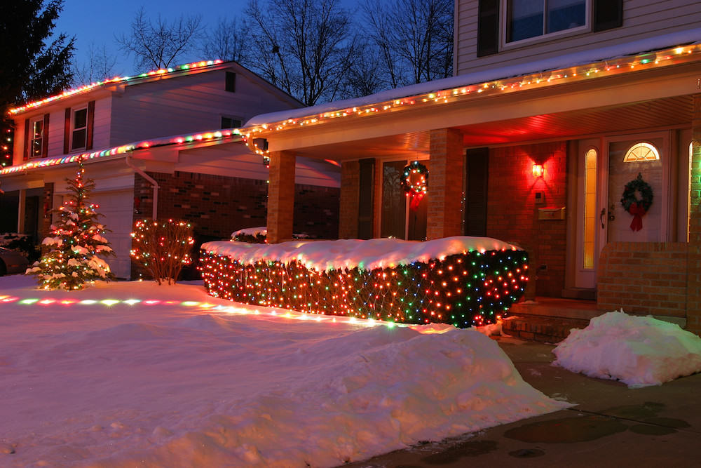 Get Awesome Christmas Lights Installation Without Breaking The Bank Christmas  Lights Installation